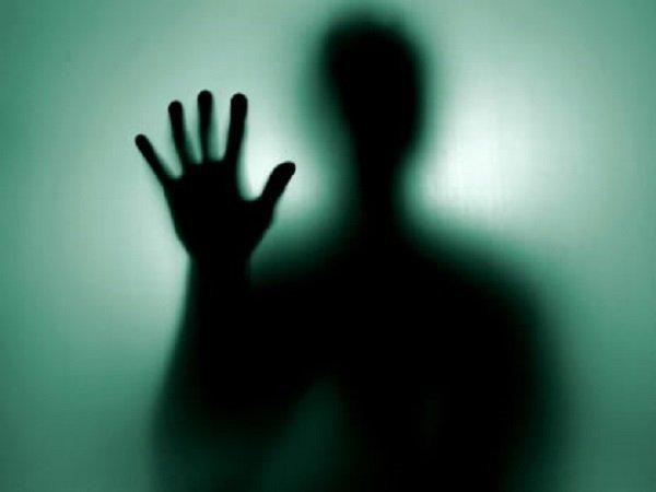 Умерший человек приснился живым - к чему это?