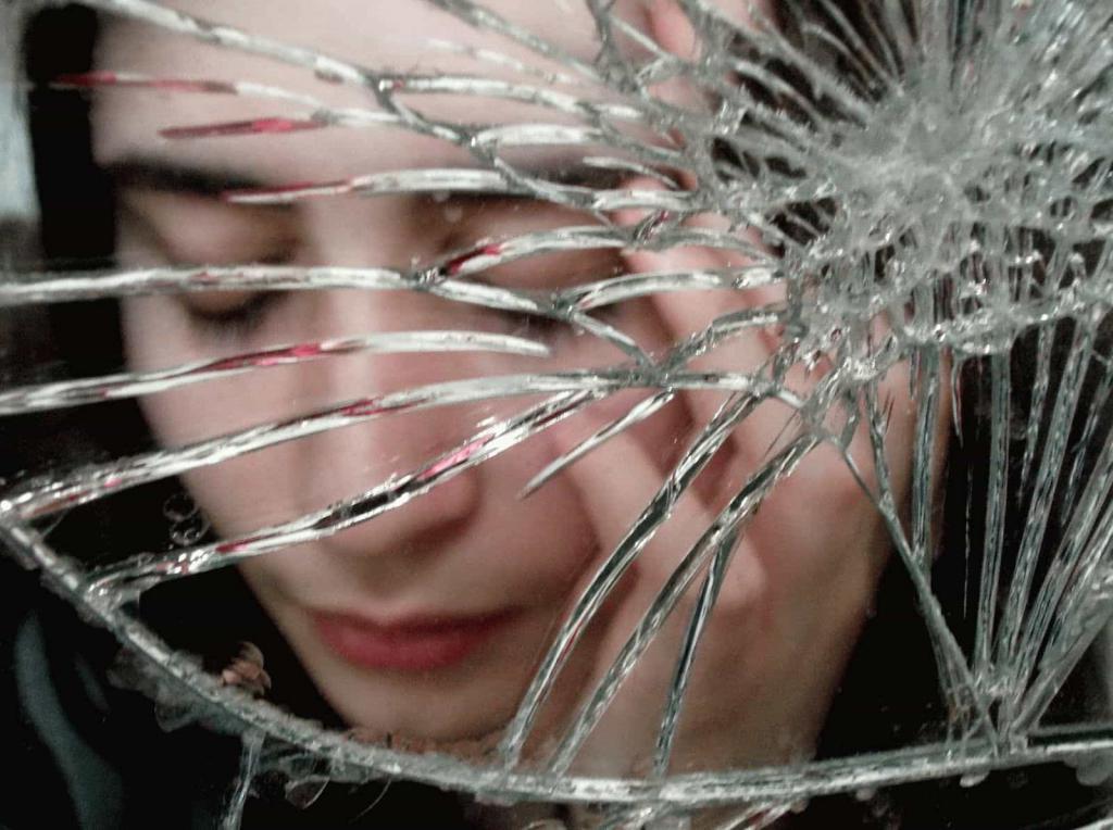 сон видеть в зеркале чужое отражение