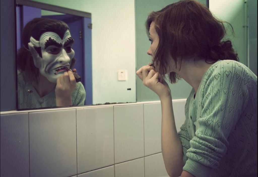 сонник видеть свое отражение в зеркале