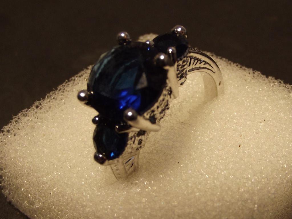 Получить в подарок кольцо от мужчины во сне к чему thumbnail