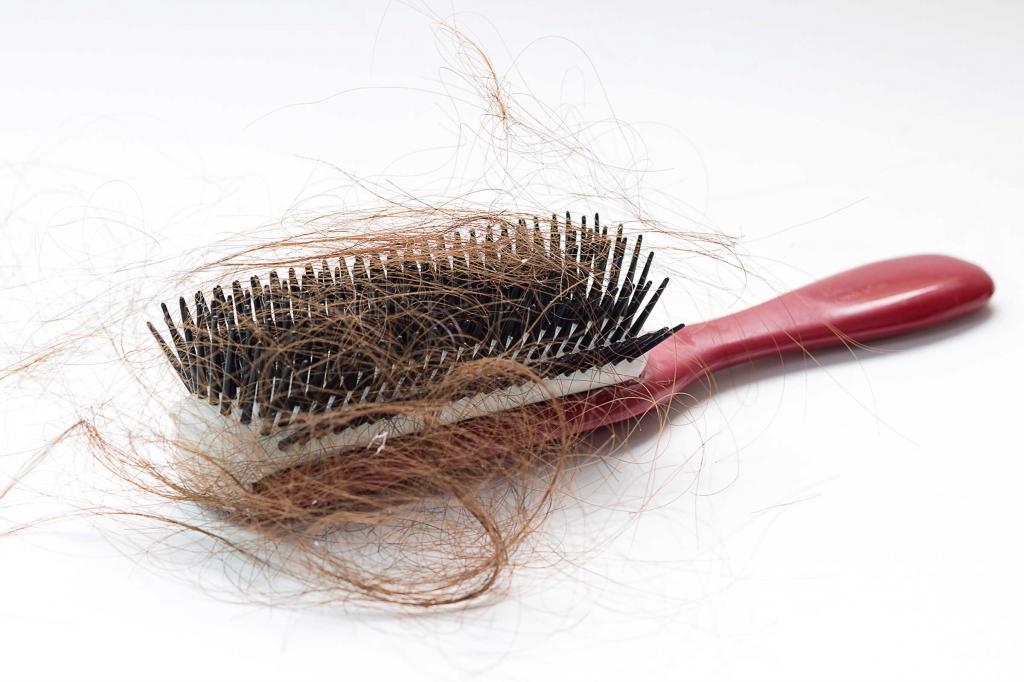 Собирать волосы с расчески во сне