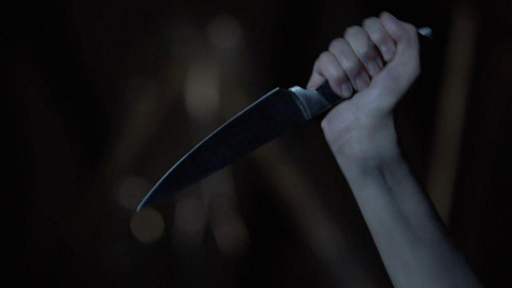 Ударили ножом в руку во сне thumbnail