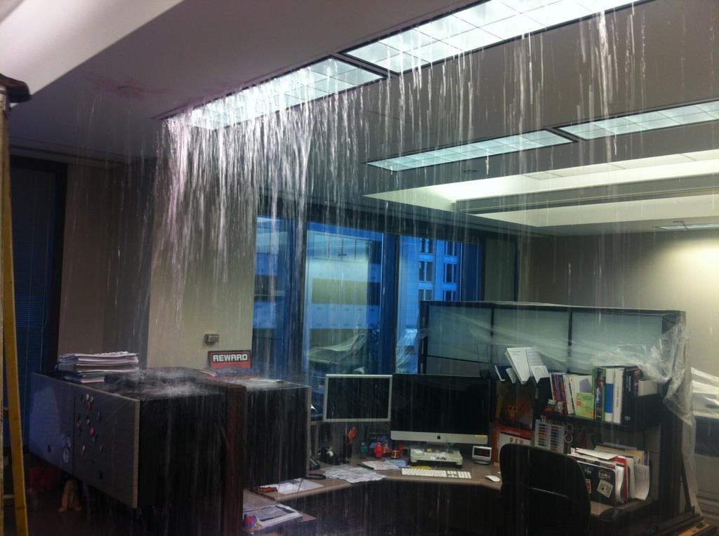 Дождь в помещении