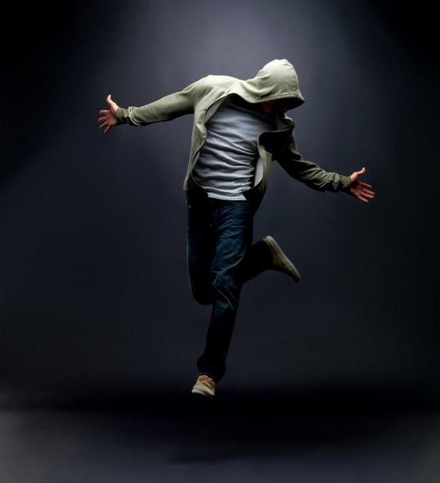 Танцующий один
