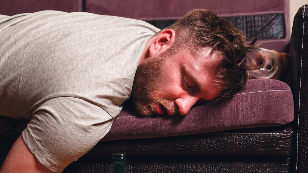 видеть во сне пьяных людей