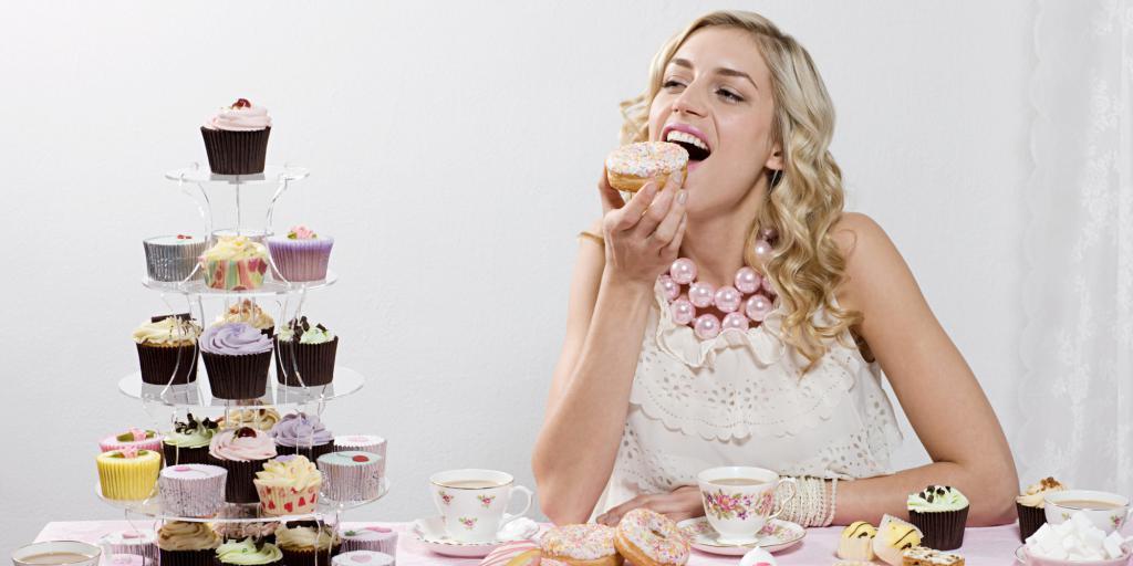 кушать во сне торт