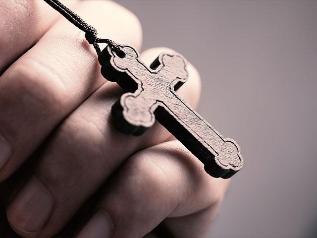 к чему снится крестик серебряный
