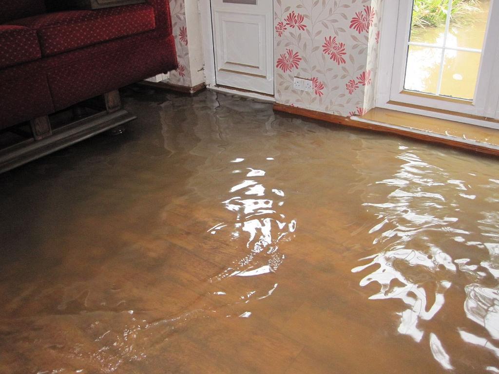 последствия потопа в квартире