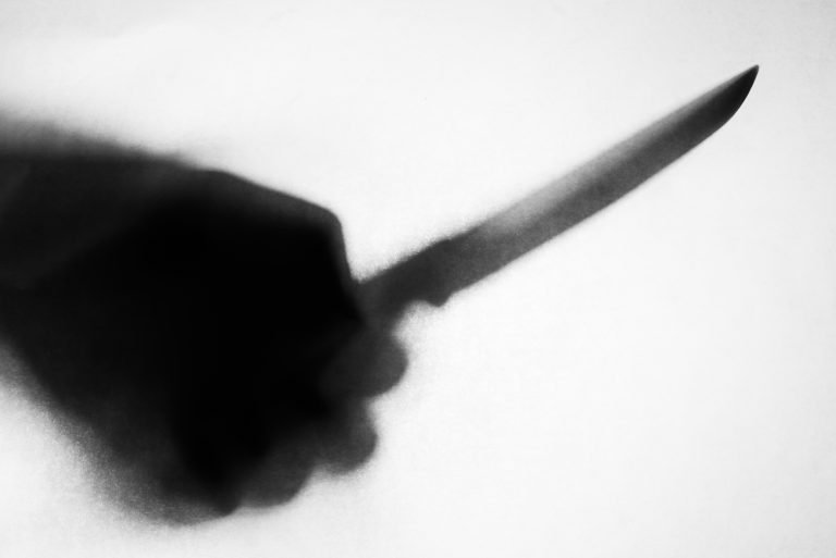 мужчина ножом во сне
