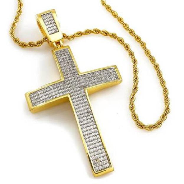 Большой крест на маленькой цепочке