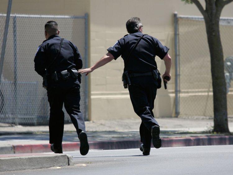 во сне скрываться от полиции