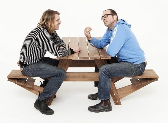 Сон кушать за столом с мужчиной thumbnail