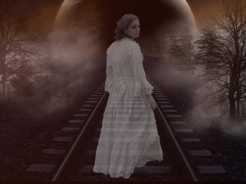 Женщина-привидение