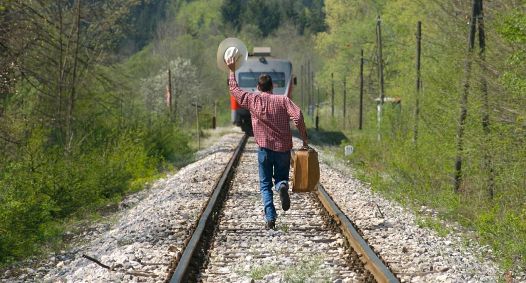 снится что опаздываю на поезд