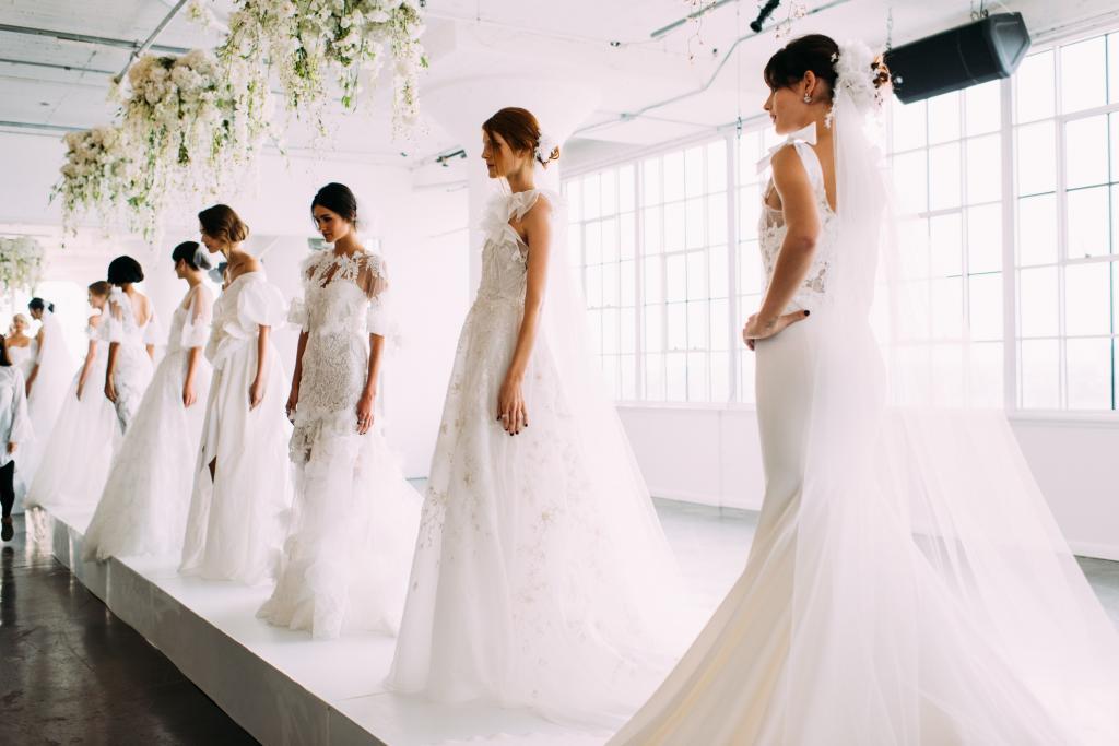 сон свадебное платье на себе