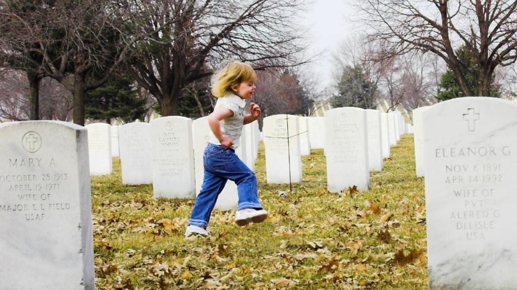 Толкование сна похороны ребенка thumbnail