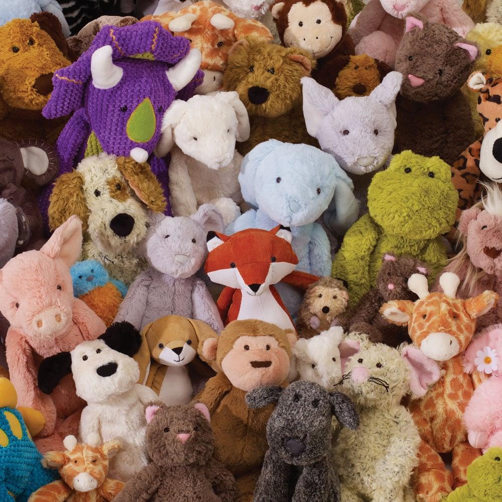 Много игрушек картинка